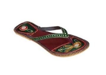 Up to 80% off on Ethnic Footwear from Rs. 299