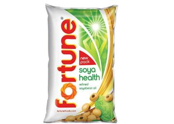 Fortune Soyabean Oil, 1L Pouch at Rs. 104